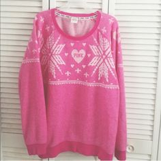 Victoria's Secret PINK Pullover Crew Great used condition no flaws. Loose fitting large. No trades and price is firm PINK Victoria's Secret Sweaters Crew & Scoop Necks