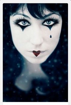 Halloween Costumes and Makeup this looked like alice in wonderland thats my favorite movie Mime Makeup, Costume Makeup, Makeup Art, Mime Costume, Makeup Ideas, Makeup Inspiration, Fun Makeup, Doll Makeup, Holidays Halloween