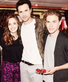 Elizabeth Henstridge, Brett Dalton and Iain De Caestecker. Well aren't they just perfect people.