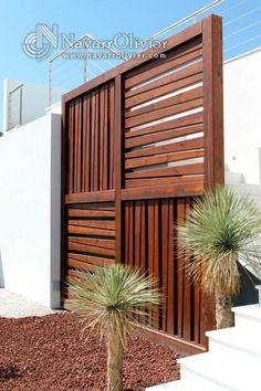 Garden Screening Ideas - Screening can be both ornamental and also functional. From a well-placed plant to maintenance totally free secure fencing, right here are some imaginative garden screening ideas. Modern Fence, Outdoor Decor, Outdoor Design, Wood Fence, Outdoor Spaces, Fence Design, Outdoor Living, Privacy Walls