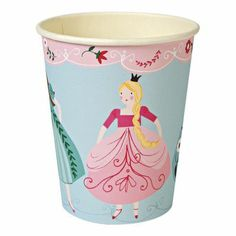 Princess party cups Disposable paper cups to make your princess party look super special. Made by Meri Meri, these I'm a Princess paper party cups come Princess Party Supplies, Princess Theme Party, Im A Princess, Princess Birthday, Babyshower Party, Party Girlande, Pochette Surprise, Party Cups, Fancy Party