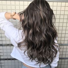 Ash Brunette Hair 9 Best Fall Hair Trends That Will Inspire Your Next Look Brown Hair Balayage, Brown Blonde Hair, Hair Color Balayage, Hair Highlights, Ash Brown Hair With Highlights, Dark Brown Hair With Highlights And Lowlights, Color Highlights, Gray Hair, Haircolor