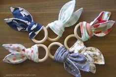 DIY: Natural Wood & Bunny Ear Teething Ring | via www.makeit-loveit.com