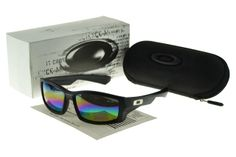 Oakley sunglasses, both men and women, there is always one for you