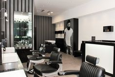 Amatulli Barber Shop by ONLY GENTLEMAN (Bari) - Pgroup Italia - Arredamenti per parrucchieri Bari