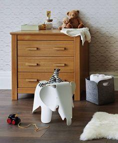 Love the Eames elephant. Charles Eames, Pantone Azul, Kids Bedroom Furniture, Children Furniture, Furniture Sets, Cot Bedding, Deco Design, Dresser As Nightstand, Modern Room