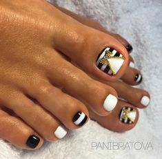 Pedicure Nail Art, Glitter Pedicure, Toe Nail Art, Nail Manicure, Colorful Nail Designs, Toe Nail Designs, Pedicure Designs, Pretty Toe Nails, Cute Toe Nails