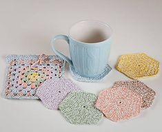 SalixAlba / Háčkované podšálky farebné - sada Mugs, Tableware, Handmade, Dinnerware, Hand Made, Tumblers, Dishes, Mug, Cups