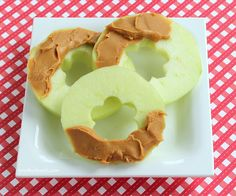apple rings with peanut butter snack by anotherlunch.com