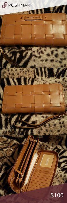 MK Wallet Medium sized wallet, brand new. MICHAEL Michael Kors Bags Wallets