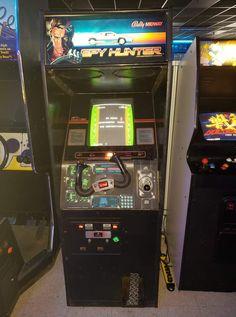 Vintage Video Games, Classic Video Games, Retro Video Games, Pac Man, Retro Arcade Games, Arcade Room, Arcade Machine, Great Videos, Pinball