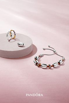 Show your love for classic style and blue jewellery with new Pandora Summer 2019 arrivals, crafted to match the dreamy vibe of the season. Pandora Bracelet Charms, Pandora Jewelry, Blue Charm, Shell Bracelet, Jewelry Photography, Luxury Jewelry, Photo Jewelry, Or Rose, Fashion Rings
