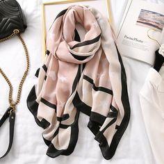 How To Wear Pashmina, Pashmina Scarf, Poncho Shawl, Hijab Fashion Inspiration, Large Women, Cotton Scarf, Girl Fashion, Style Fashion, Cotton Style