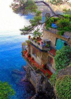 CINQUE TERRE, ITALY Amazing World