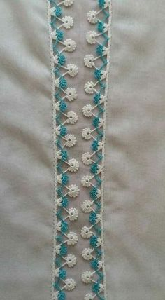 This Pin was discovered by HUZ Crochet Lace Edging, Crochet Borders, Crochet Stitches Patterns, Lace Patterns, Baby Knitting Patterns, Crochet Designs, Stitch Patterns, Crochet Hats, Needle Tatting