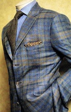 J Alexander suit! Love the plaid look with the textured tie!  #tie #suit #shirt #plaidsuit #plaid