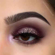 """I feel like this is a perfect fall into winter look❄️ (thanks to @christina.calle for always helping me find inspiration) Brows: @anastasiabeverlyhills • brow wiz in """"Ebony"""" and """"Dark Brown"""" Eyes: @anastasiabeverlyhills • single shadows (""""Aubergine"""" and """"Rich Velvet"""" all over, """"bling""""on the lid"""", """"macaroon"""" in the inner corner) @beautybakeriemakeup • Glitter """"brown"""" and """"white"""" sprinkles Lashes: @luxylash • """"keep it 100""""  #makeup #instamakeup #cosmetic #cosmetics #mua #fashion #eyeshadow…"""