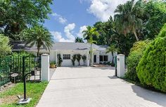 Be close to great schools + parks, metro + restaurants in Downtown So. Miami location. 4 bed/2 bath oversized private lot with large pool. Nice for entertaining w/ kitchen pass through. Enjoy great living w/ eat in kitchen, remodeled bath, separate laundry room, & high ceilings. Sq ft as per owner. - See more at: http://search.nancybatchelor.com/idx/details/listing/a016/A1819298/6220-SW-84-ST-Miami-A1819298#.UwaclF7Pa_1