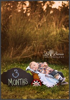 Lee Barrow Photography 3 month old country baby! Lee Barrow Photography 3 month old country baby! 3 Month Old Baby Pictures, Fall Baby Pictures, 6 Month Baby Picture Ideas, 2 Month Old Baby, Milestone Pictures, Baby Boy Photos, Fall Pics, Outdoor Baby Photography, Baby Boy Photography