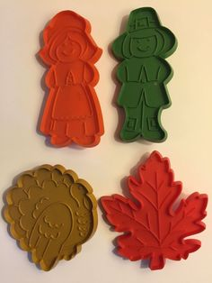 Vintage Hallmark Cookie Cutters Thanksgiving Holiday Turkey Leaf Pilgrams Set /4 in Home & Garden, Kitchen, Dining & Bar, Cake, Candy & Pastry Tools | eBay