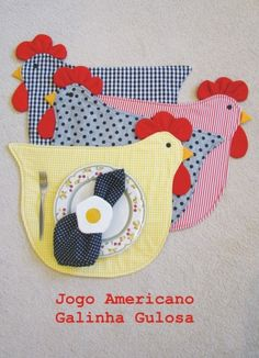 Ideas Sewing Projects Small Mug Rugs Table Runner And Placemats, Quilted Table Runners, Quilting Projects, Sewing Projects, Chicken Quilt, Chicken Pattern, Chicken Crafts, Place Mats Quilted, Chickens And Roosters