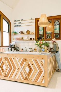 Inside The Assembly: San Francisco's Dreamiest Women-Only Co-Working and Wellness Space Easy Wood Projects, Woodworking Projects That Sell, Woodworking Furniture, New Furniture, Rustic Furniture, Woodworking Books, Woodworking Classes, Woodworking Ideas, Furniture Ideas