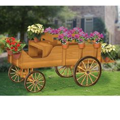 Buckboard Wagon Planter DIY Woodcraft Pattern - Great decorative yard display for flowers, and/or garden vegetables. Includes patterns for pot hangers and wheels ( & x x Pattern by Sherwood Creations Diy Wood Projects, Outdoor Projects, Garden Projects, Wood Crafts, Wooden Cart, Wooden Wagon, Wagon Planter, Planter Boxes, Wooden Planters
