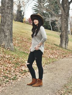 grey shirt, hat, black jeans, brown boots outfit