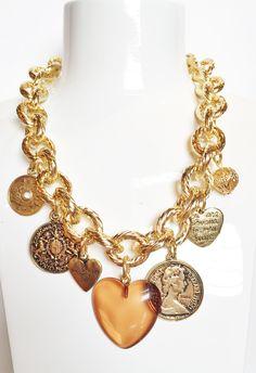 Chunky charms necklace made in Italy by Matildesign. Collier pieno di charms ciondoli interamente fatto in Italia.