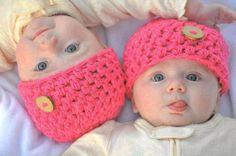 İkiz bebek büyütmek elbette zor ancak mutlaka güzel ve keyifli yanları da vardır.