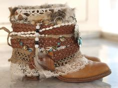 Bohemian Boots, Gypsy Boots, Cowgirl Boots, Botas Western, Western Boots, Masai Mode, Botas Boho, Boot Bracelet, Vintage Festival
