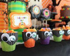 fiestas-halloween-mesa-tazas