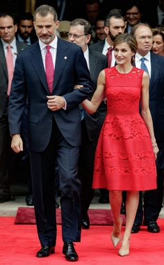 97813e0c4253 Your Eyes Aren't Tricking You, Queen Letizia's Skater Dress Can Be Found in  Your Closet