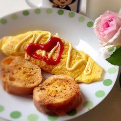 ふわとろオムレツ。カマンベールとアーモンドベビーチーズ入り。 - 6件のもぐもぐ - チーズオムレツ by ryurensuzuQ5p