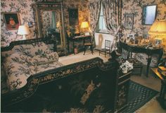 La Baronne Antoinette de Gunzbourg's Bedroom