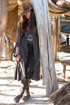 Still of Clara Paget in Black Sails (2014)...Anne Bonny a real female pirate of the 1700's
