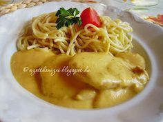 Vadas sertésszelet spagettivel Meat Recipes, Dinner Recipes, Hungarian Recipes, Hungarian Food, Cod Fish, Food 52, Macaroni And Cheese, Main Dishes, Bacon
