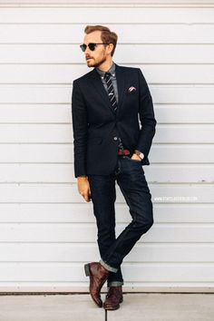 Wear a tie with jeans famous outfits Look Fashion, Mens Fashion, Suit Fashion, High Fashion, Shirt And Tie Combinations, Suit Up, Skinny Guys, Business Casual Men, Vogue