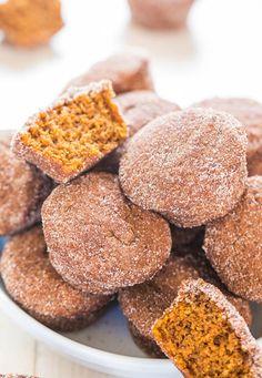 Mini Cinnamon Sugar Pumpkin Muffins - Soft little muffins that pack a big punch of pumpkin flavor! #muffins