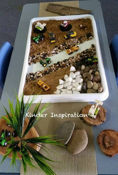 """Sensory truck play from Kinder Inspiration ("""",) Construction Eyfs, Construction Theme Preschool, Child Development Activities, Activities For Kids, Crafts For Kids, Investigation Area, Investigations, Role Play Areas, Tuff Tray"""