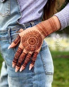 Henna Hand Designs, Circle Mehndi Designs, Modern Henna Designs, Mehndi Designs Finger, Henna Tattoo Designs Simple, Simple Arabic Mehndi Designs, Mehndi Designs For Beginners, Mehndi Design Photos, Mehndi Designs For Fingers