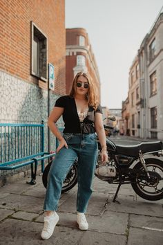 Curvy Girl Outfits, Cute Casual Outfits, Summer Outfits, Medium Sized Women, Chubby Fashion, Mom Jeans Outfit, Looks Plus Size, Moda Plus, Looks Style