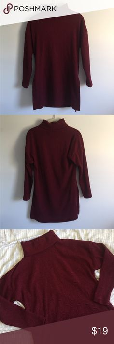 Red turtleneck sweater CURATIONS CARAVAN red turtleneck sweater. 🍁Perfect for fall! 🍁 95% polyester, 5% spandex. Size XS. Bust: 17in Length: 29in. *also available in deep blue! Check my closet!* 🎃OFFERS WELCOME🎃 Curations Caravan Sweaters Cowl & Turtlenecks