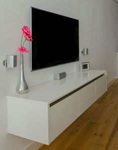 New Apartment Living Room Wall Tvs 40 Ideas Table Decor Living Room, Living Room Tv, Apartment Interior, Apartment Living, Couples Apartment, Tv Unit Furniture, Muebles Living, Unique Wall Decor, Cool Apartments