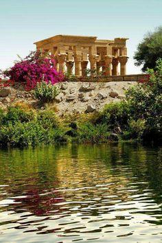 El espléndido quiosco de Trajano El templo de Isis ( Filae ), Aswan. Shared by Edith Cruz. Mahmoud Hassan's photo