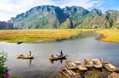 Vietnam among top 10 places to jet off in Fall: Fodor  The world's largest publisher of English language travel and tourism information, Fodor's has cited Vietnam as among top 10 places to go in Fall-the most romantic season of the year.   Vietnam Tour Ex