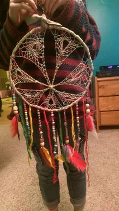 Dream Catcher Decor, Large Dream Catcher, Diy Dream Catcher Tutorial, Fun Crafts, Arts And Crafts, Indian Crafts, Recycled Art, Crochet Projects, Craft Projects