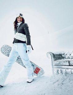 Slalom chic | Le Figaro Madame#diaporama-490755_3#diaporama-490755_3 Snow Fashion, Winter Fashion, Mode Au Ski, Skier, Snow Outfit, Ski Season, Ski Boots, Winter Wear, Glamour