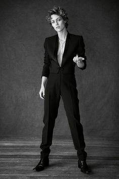 Vanessa Paradis for L'Express Styles by Matthew Brookes Vanessa Paradis, Androgynous Models, Androgynous Fashion, Fashion Mode, Suit Fashion, Caroline Dhavernas, Style Androgyne, Le Smoking, Sitting Poses