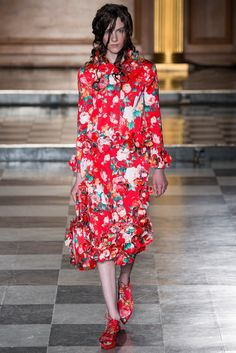 Simone Rocha Spring 2015 Ready-to-Wear Fashion Show Collection